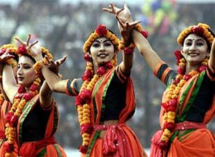 Bangladeshi_folk_dancers